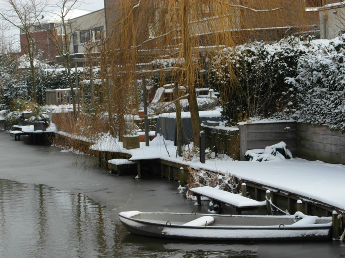 Pretty winter canal scene